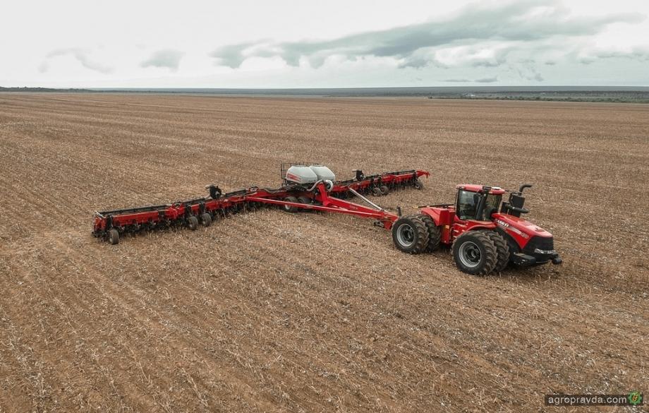 У кого Украина покупает трактора: ТОП стран